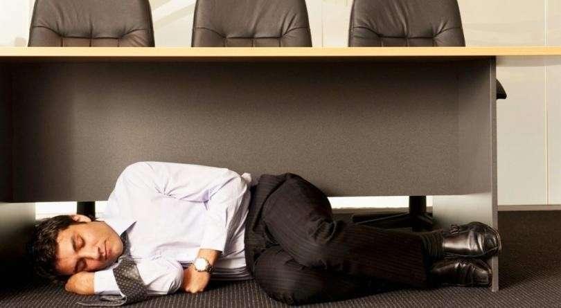 Как заснуть за 2 минуты в любой ситуации. Метод Бада Винтера
