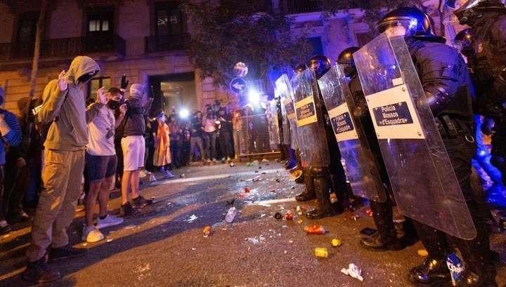 В Каталонии во время протестов пострадали десятки манифестантов