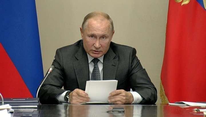 Путин – чиновникам: кто не может работать с людьми, должен заняться другой работой