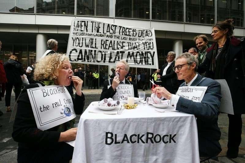 В Англии попытка зеленых наехать на финансистов тут же превратила их в «экстремальных анархистов»