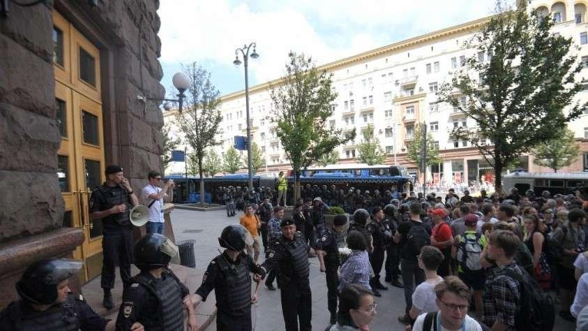 В Москве задержали ещё четырёх «мирных демонстрантов» за участие в массовых беспорядках 27 июля