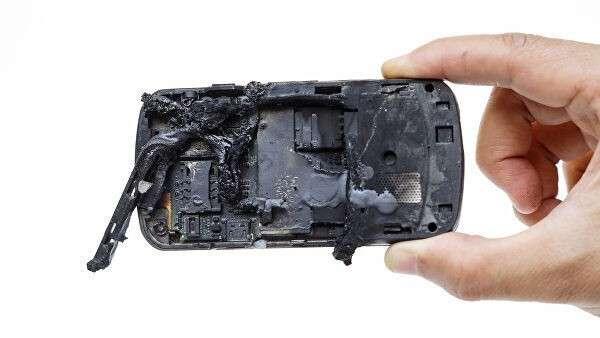 Сгоревший смартфон