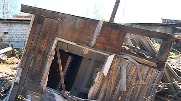 В Тулуне люди живут, как в фильме ужасов: разрушенные дома на затопленных улицах