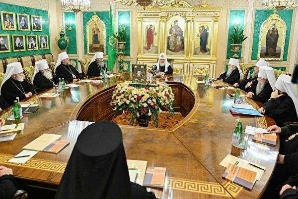 РПЦ сурово накажет греческую церковь, если она признает украинских раскольников