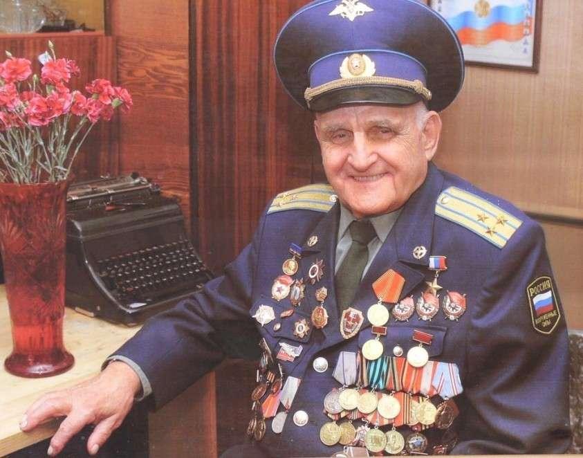 Человек из легенды. Иван Леонов – единственный в мире лётчик, летавший на боевом самолёте без руки