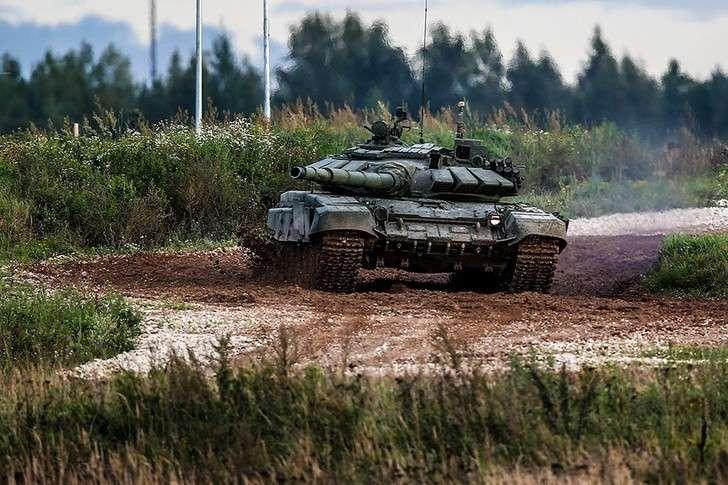 Уралвагонзавод поставил Минобороны России модернизированные танки Т-72Б3