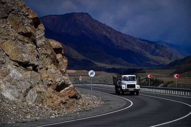 Алтайский край на 100% завершил ремонт дорог, запланированный на 2019 год