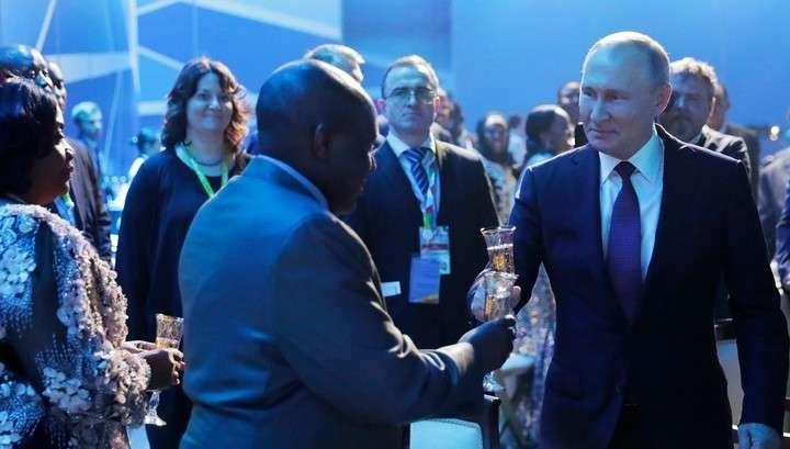 Владимир Путин проведет личные встречи с лидерами пяти стран Африки