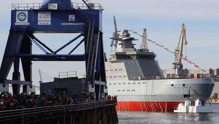 Первый российский боевой ледокол «Иван Папанин» спустили на воду в Санкт-Петербурге