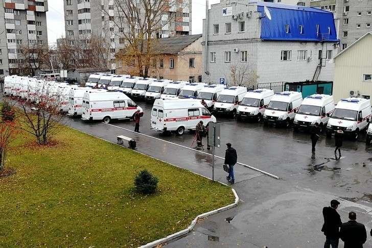 25 машин скорой помощи поступили в медучреждения Алтайского края