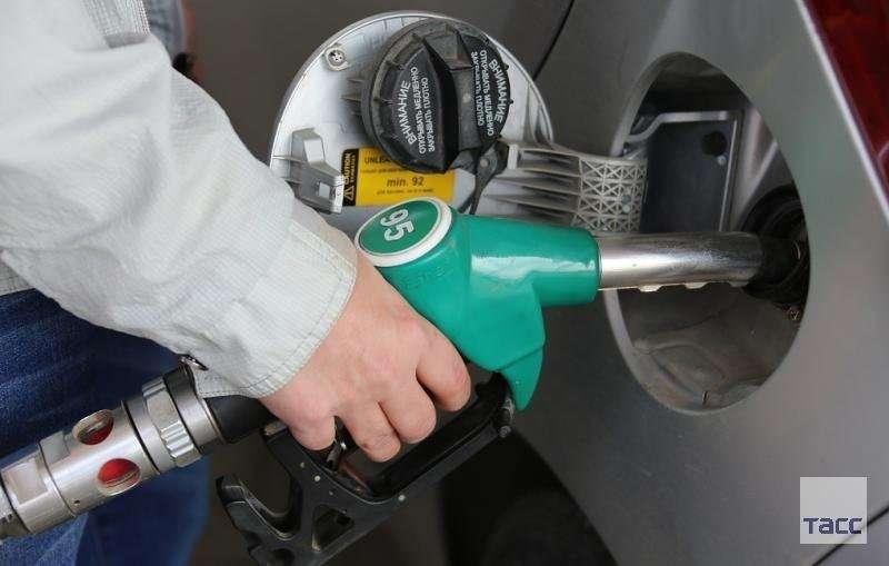 Как поймать вороватых заправщика на недоливе бензина