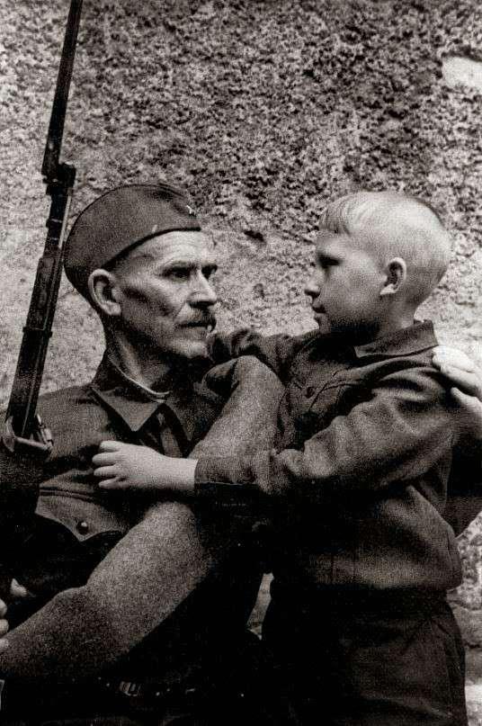 Дмитрий Карбышев – советский военачальник. Стал символом несгибаемой воли и стойкости.