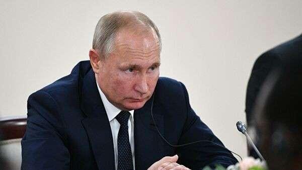 Президент РФ Владимир Путин во время встречи с президентом Республики Ангола Жоау Мануэлом Гонсалвешем Лоуренсу на полях саммита Россия – Африка