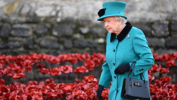 Покушение на королеву: в Лондоне под подозрением все приезжие