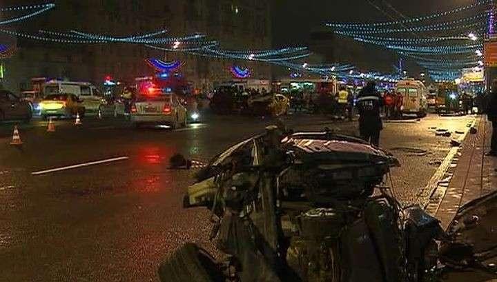 Серьёзная авария в Москве: ночь, улица, 200 км/ч по встречной