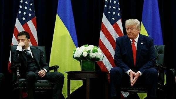 Президент Украины Владимир Зеленский и президент США Дональд Трамп во время встречи в Нью-Йорке, США. 25 сентября 2019