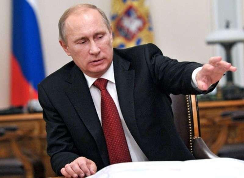 Владимир Путин освободил от должностей 11 генералов МЧС, МВД и СК