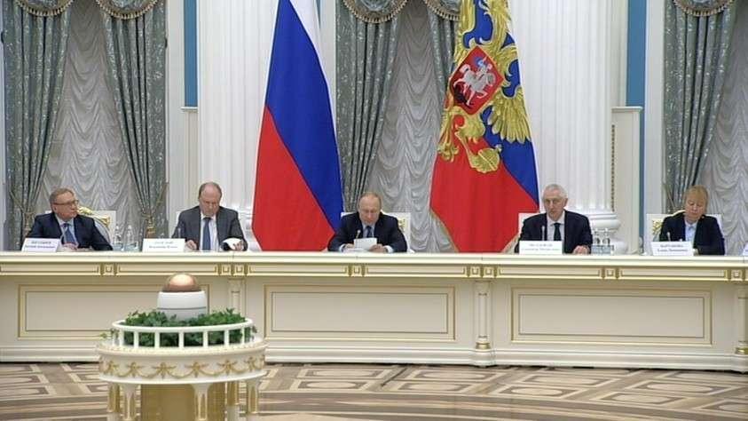 Владимир Путин: пещерные русофобы и националисты объявили войну русскому языку