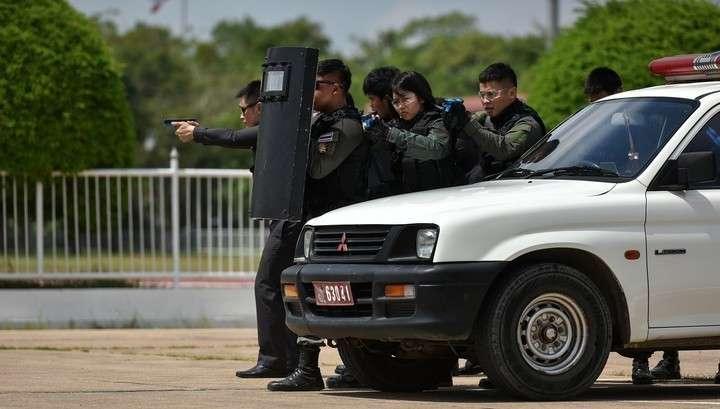 Жертвами террористической атаки на юге Таиланда стали не мене 15 человек