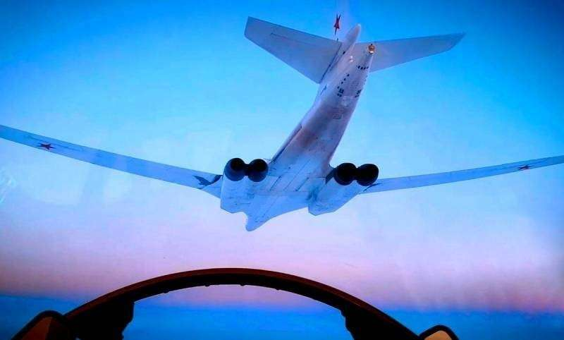Как российский Ту-160 на форсаже ушёл от японских F-35