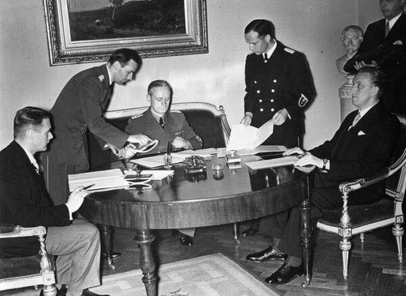 Как Литва, Латвия и Эстония заключили пакты с Гитлером и подписали себе приговор