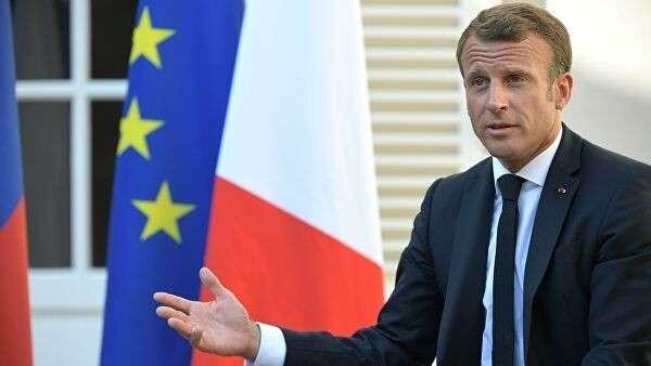Президент Франции Эммануэль Макрон на встрече с президентом РФ Владимиром Путиным