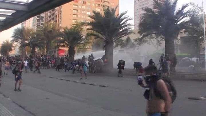 В Чили не утихают майданные протесты