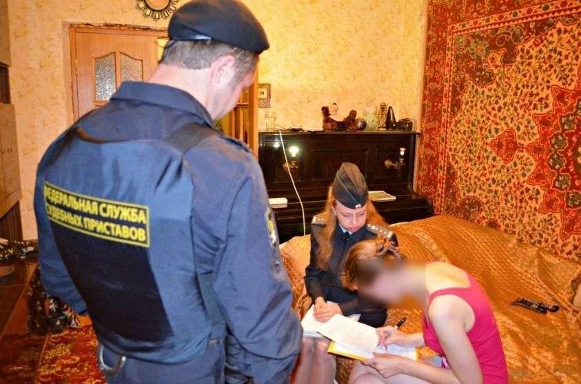 Порядочные, просто бедные: органы опеки украли двух детей из малообеспеченной семьи