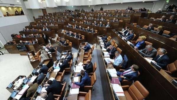 Сенаторы предложили выделить в отдельную уголовную статью продажу поддельных лекарств