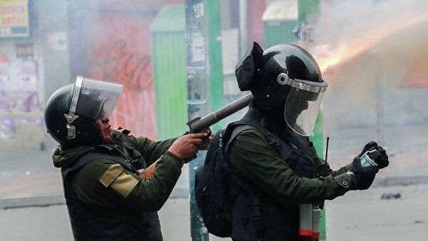 Сотрудники сил безопасности Боливии