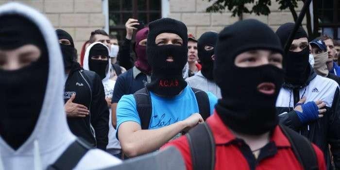 Киев накрывает волна бандитизма. Людей грабят прямо на улице средь бела дня