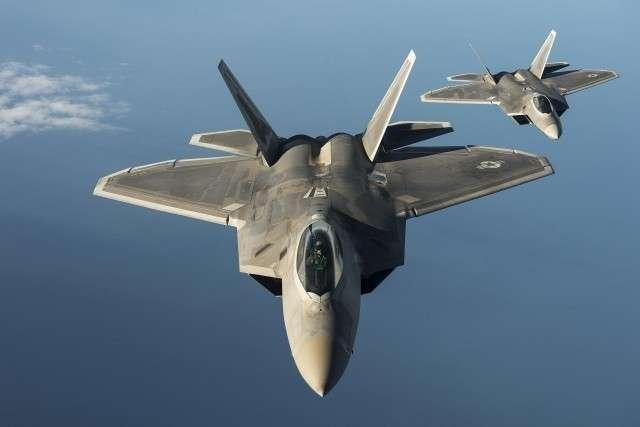 Истребители F-22 ВВС США