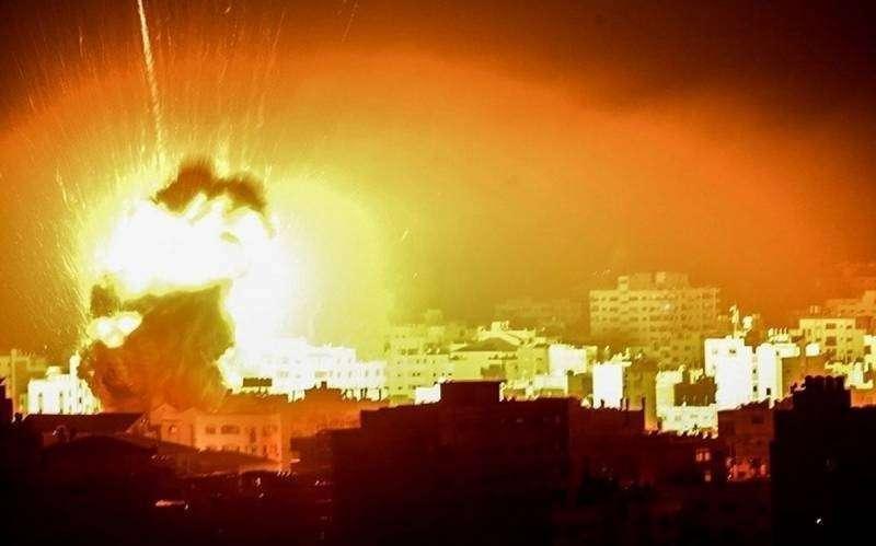 Почему Израиль продолжает бомбить Сирию?
