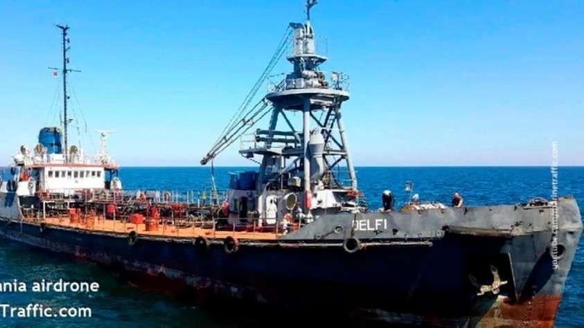 Авария танкера близ Одессы: содержание нефтепродуктов в воде превысило норму в 157 раз