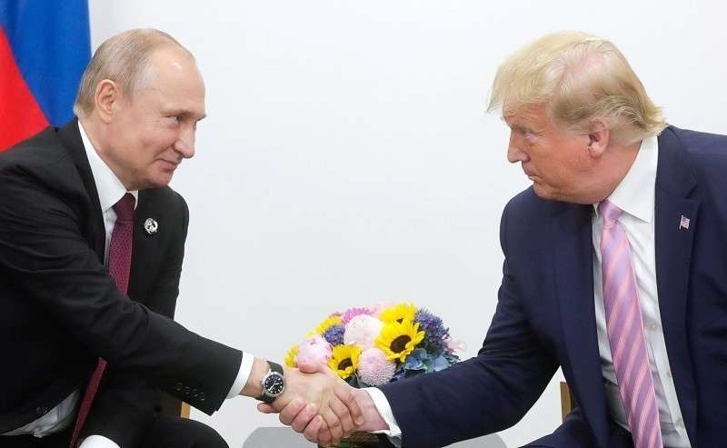 В США нашли главного защитника Трампа. Им оказался... Владимир Путин