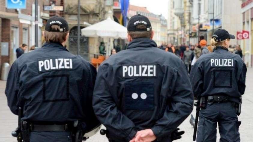 В Германии полицейские вынуждены искать вторую работу. Зарплаты не хватает на жизнь