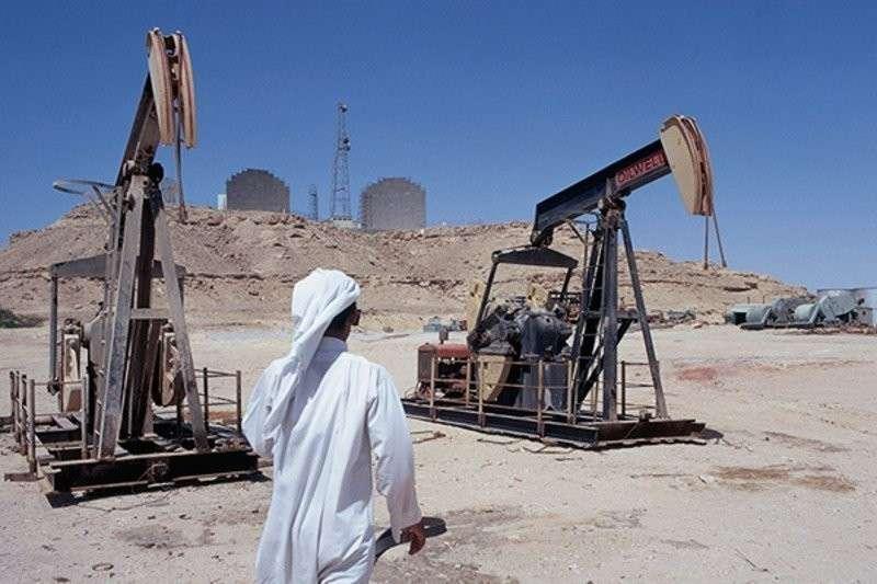 Саудовская Аравия уступила России место крупнейшего производителя нефти в мире
