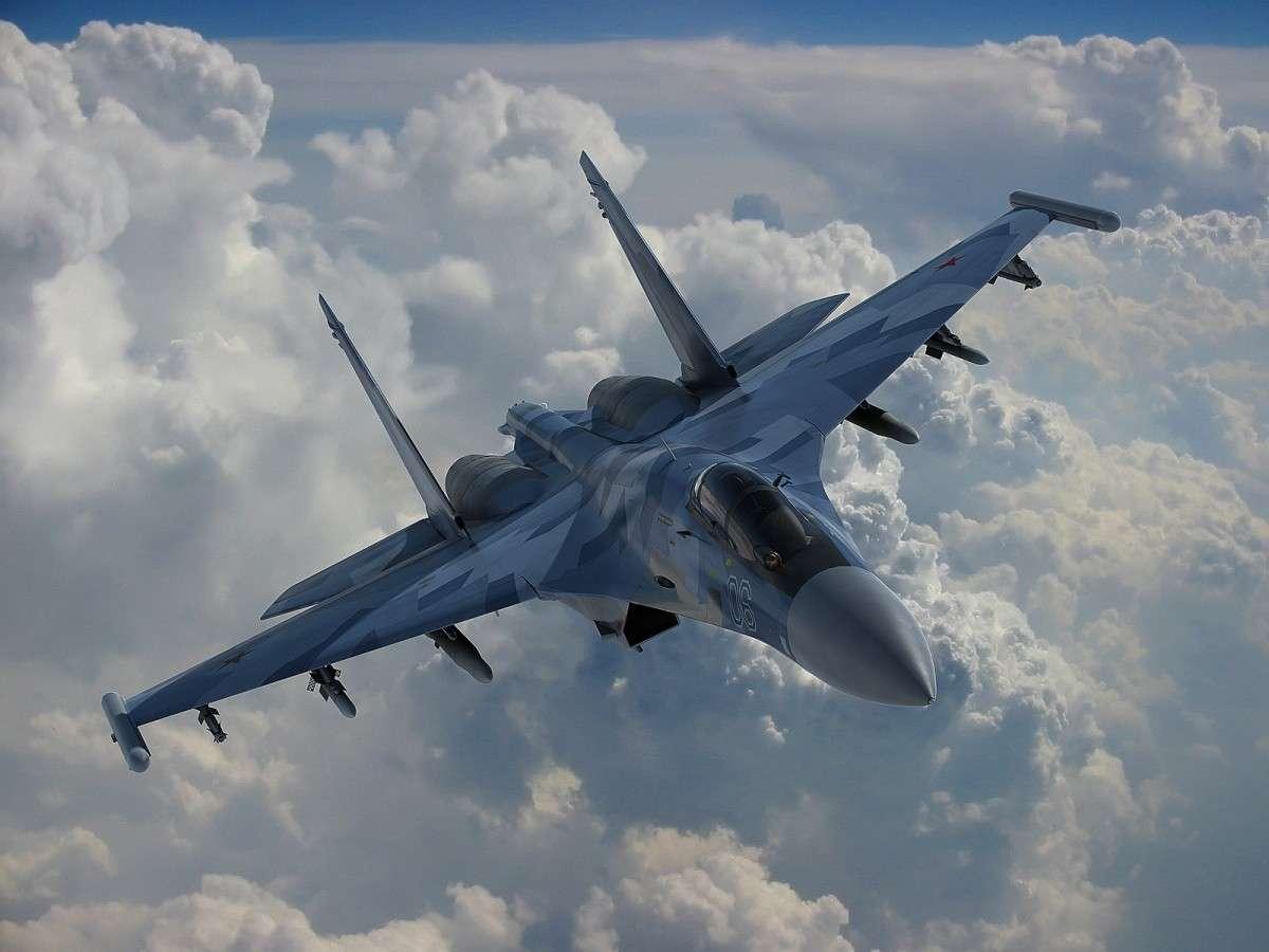 Новейший российский истребитель Су-35 выступил на авиасалоне в Китае