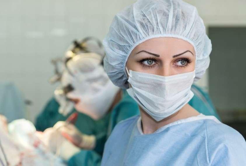 Из московской клиники уволили двух медсестер, укравших у пациента 100 тысяч рублей