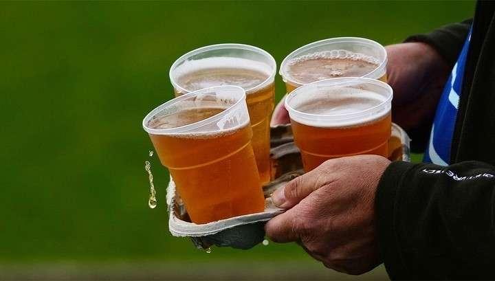 Пиво вернется на футбольные стадионы и поможет детскому спорту