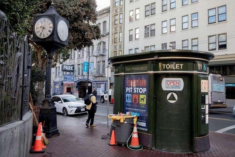 Сколько платит бюджет Сан-Франциско за ОДИН смыв унитаза в общественном сортире?