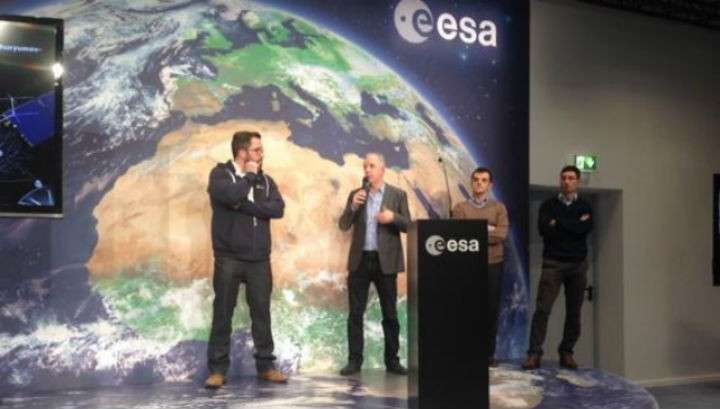 Модуль Фила начал спуск на комету Чурюмова-Герасименко