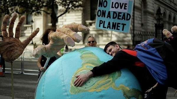 Акция протеста против изменеия климата в Лондоне