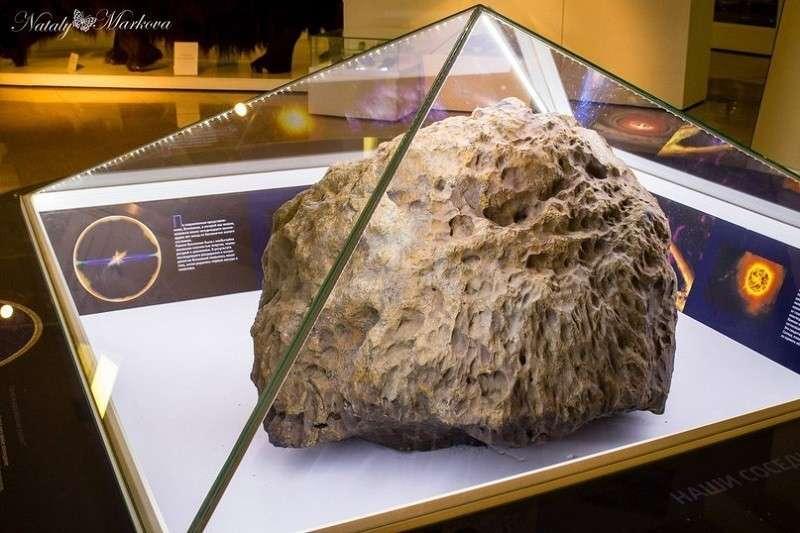 Над челябинским метеоритом поднялся защитный купол сам собой