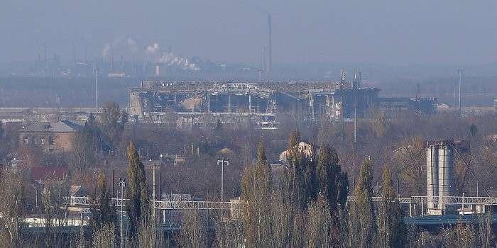 «Правый сектор» отступает из аэропорта Донецка в западном направлении