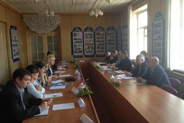 ОНФ в Вологодской области выявил 10-кратный разрыв в зарплате ректоров ВУЗов и преподавателей