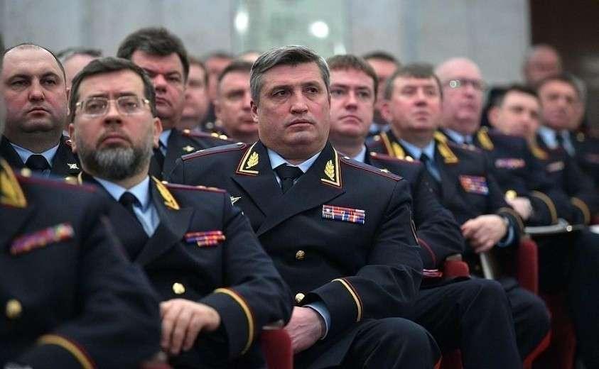 В Москве проходят обыски в отделениях МВД. В связи с делом со страховым контрактом на 13 млрд рублей