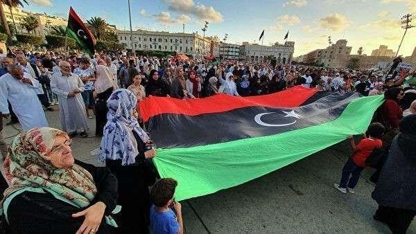 Демонстрация в поддержку признанного ООН Правительства национального согласия в Триполи
