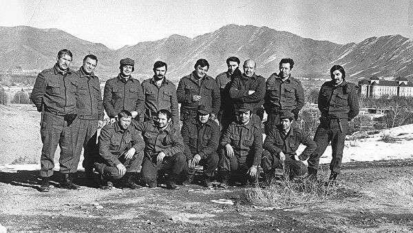 Бойцы Грома (Альфа) незадолго до штурма дворца Х. Амина. Кабул. Декабрь 1979 год
