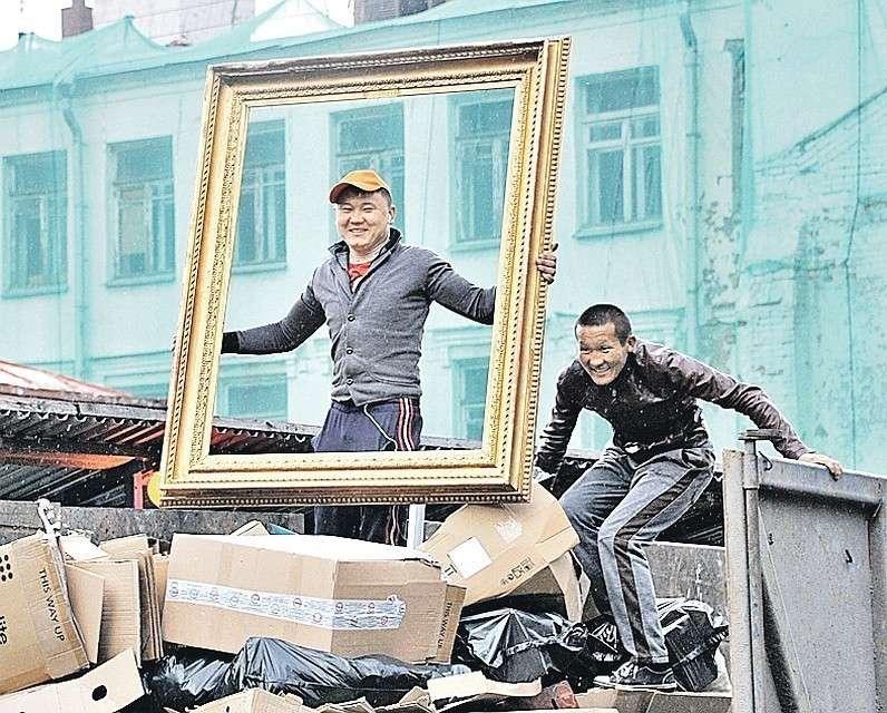 По оценкам разных ведомств, в России в этом году находились от 11 до 13 млн мигрантов, половина – выходцы из стран Центральной Азии. Фото: Виктор ГУСЕЙНОВ